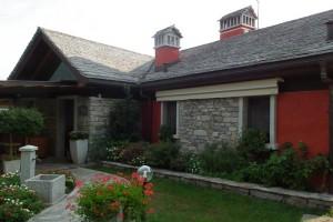 Kamenný obklad a strechaKamenárstvo Stonestore