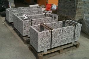 Kamenné kvetináčeKamenárstvo Stonestore