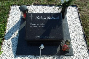 STONESTORE žulový urnový pomník Moravský SV. Ján